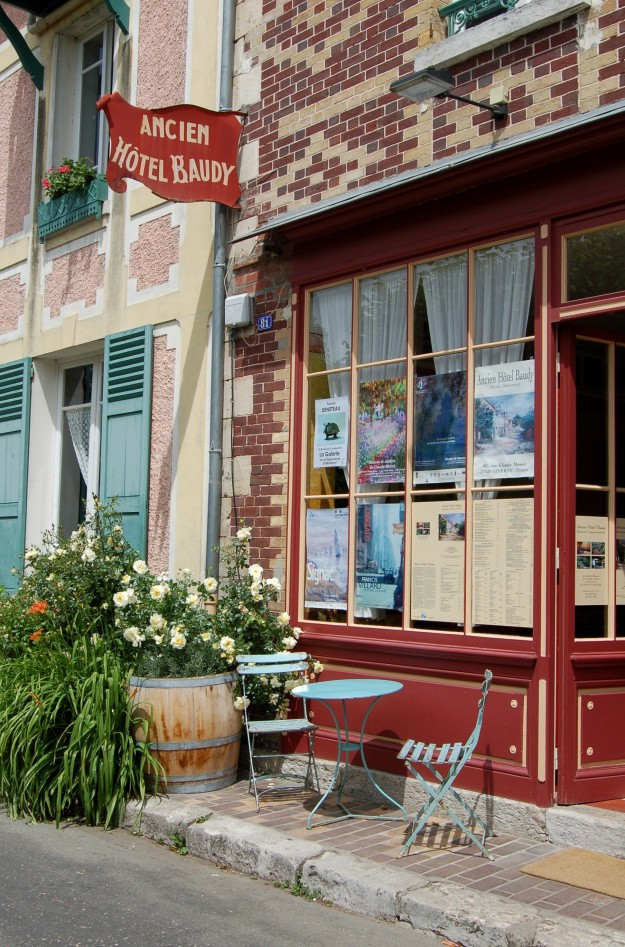 Many American artists stayed at the Hotel Baudy when studying and painting in Giverny.