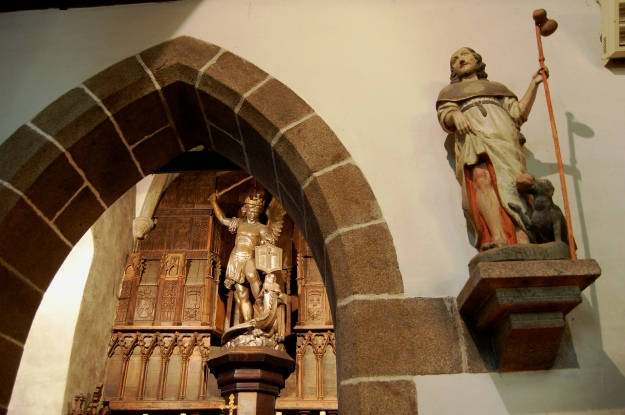 The dragon slayer in the chapel, thanks to a 19th century refurbishment.