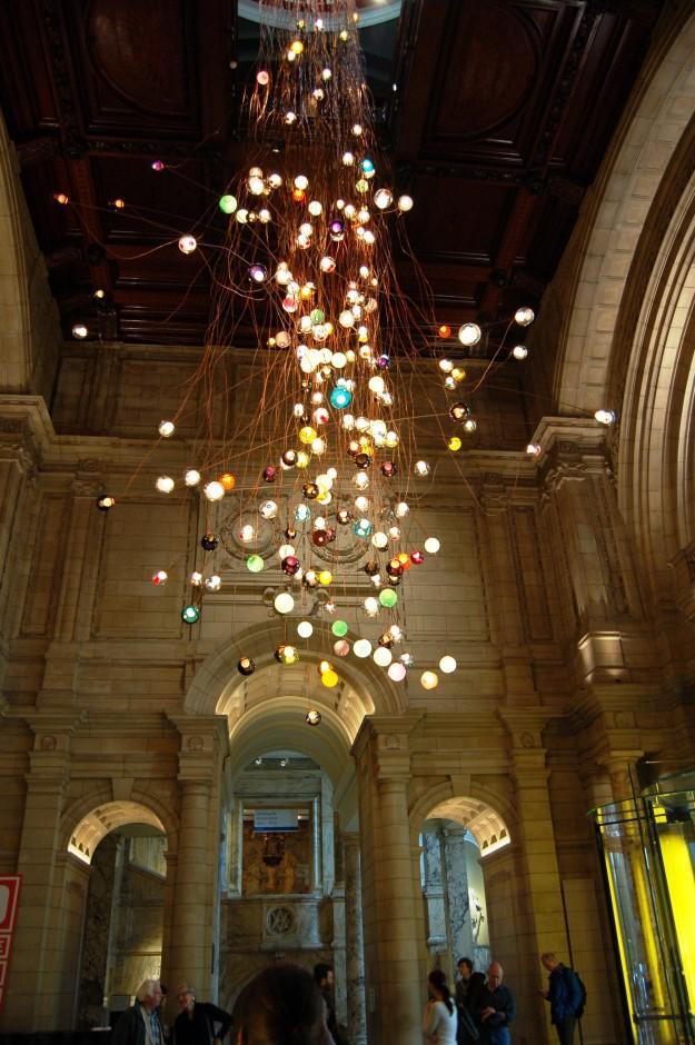 Pendant light art installation, Omer Arbel for Bocci, at the V&A Museum