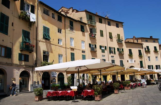 Best day trip:  Lucca!  My new favorite destination!
