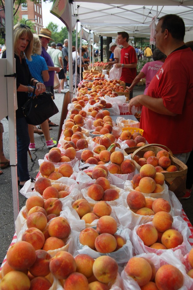 Peaches at Greenville's downtown market.