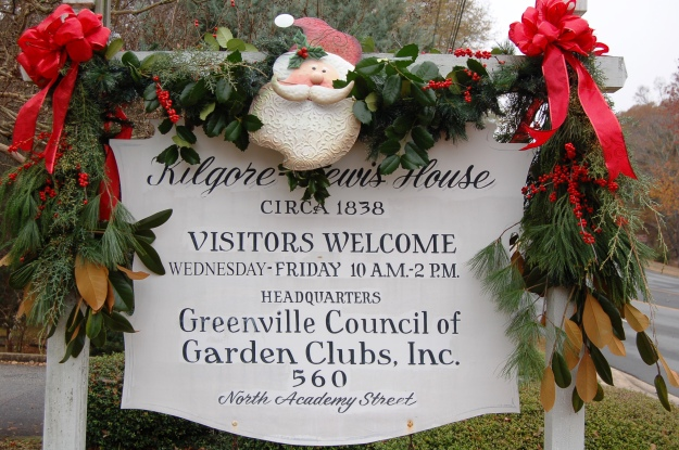 Holiday House Drop-In, Sunday, December 7, from 2 to 5 p.m.