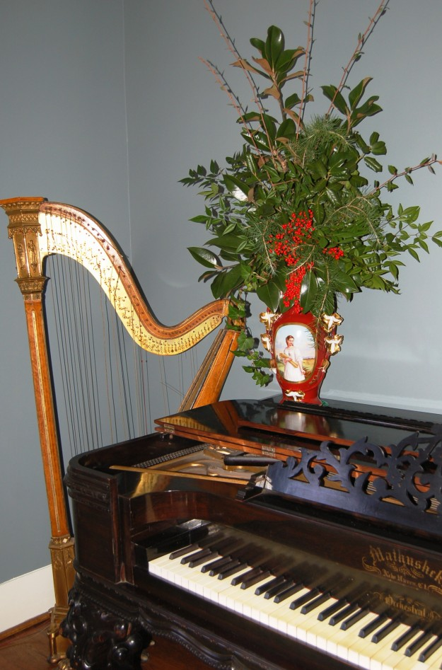 Holiday arrangement takes pride of place in the parlor of the Kilgore-Lewis House.