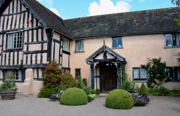 The Old Hall comprises a half-timbered wing from the mid 1500s and a more recent addition.