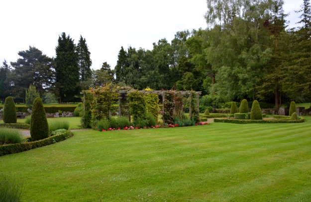 One end of the Mottram Hall garden (L to R):  large circle, Arts & Crafts pergola, small circle